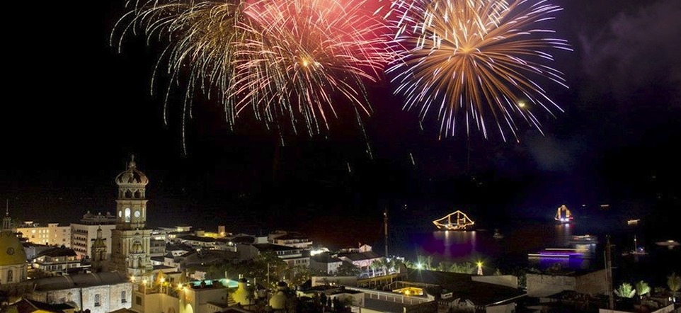 Villa Group Timeshare - Puerto Vallarta night fireworks Pirates