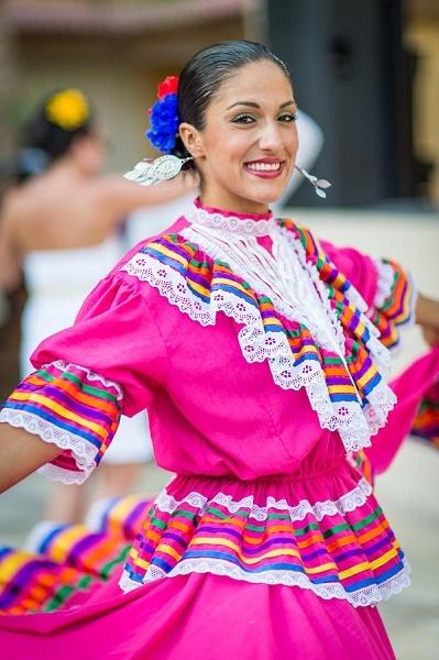 Villa del Palmar Cabo Timeshare Dancer
